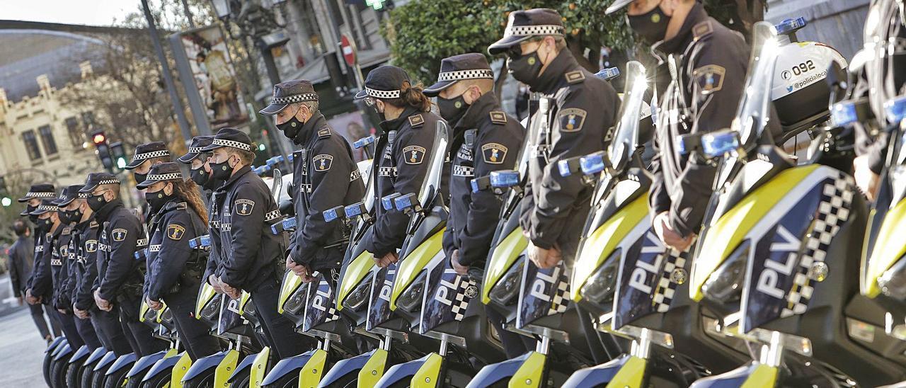 Agentes de la Policía Local de València.  levante-emv
