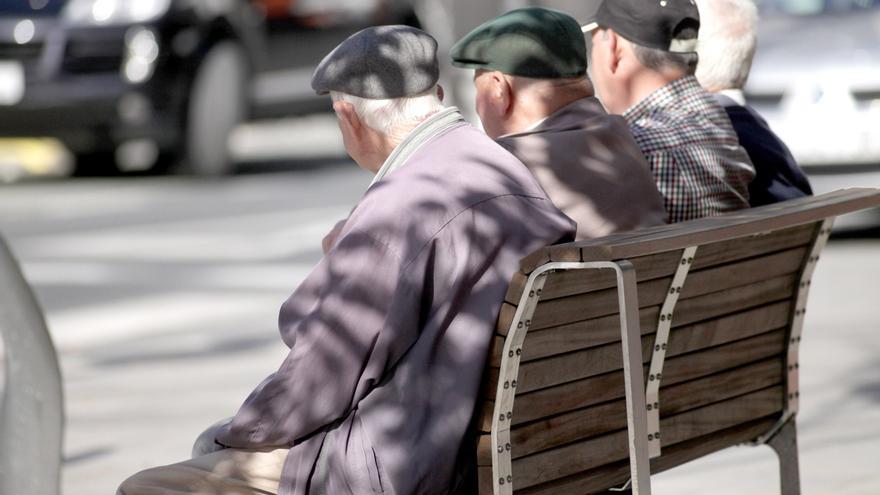 Las 300.000 pensiones de los asturianos suben por decreto por última vez