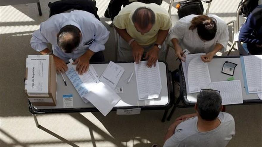 Protección de Datos advierte de multas de hasta 300.000 euros para las mesas del 1-O