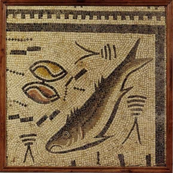 Un mújel y dos almejas centran el diseño del mosaico romano.