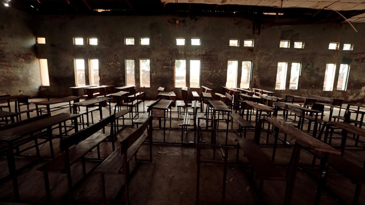 Interior de una escuela en Nigeria