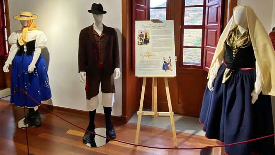 Vallehermoso acoge una muestra de vestimenta tradicional de Canarias