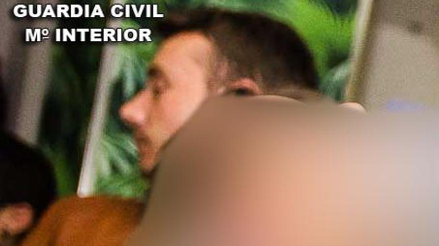 Fotografía del sospechoso distribuida por la Guardia Civil.