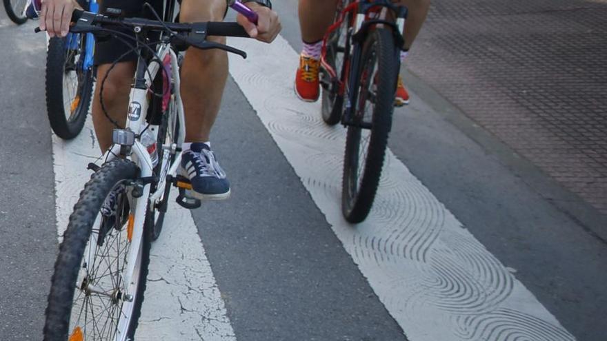 Un ciclista de Gijón, herido tras chocar con un turismo en Villaviciosa