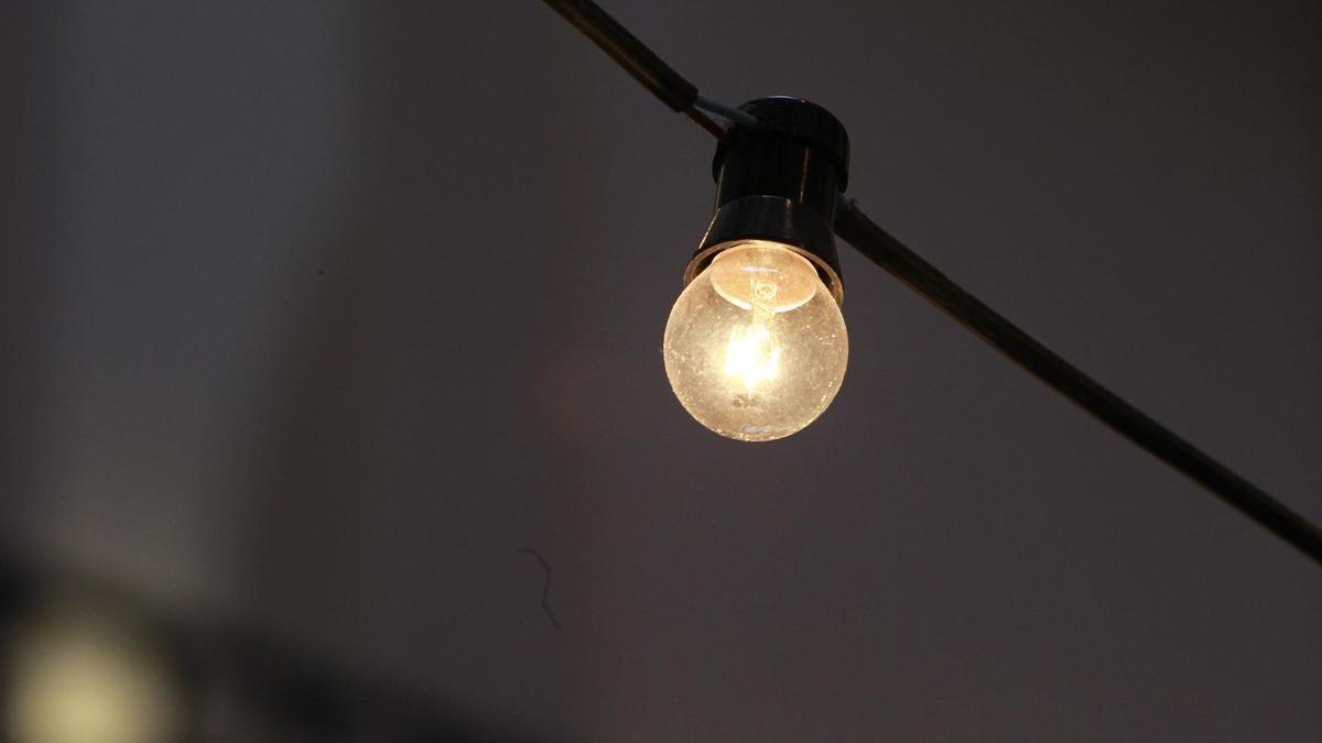 La luz se sitúa en 46,41 euros por megavatio hora.
