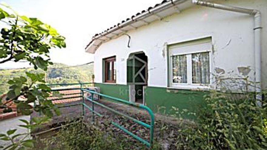 22.000 € Venta de casa en La Nueva (Langreo) 60 m2, 2 habitaciones, 1 baño, 367 €/m2, 0 Planta...