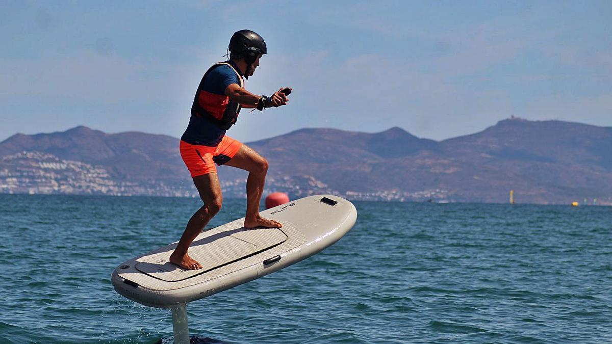 La planxa de Fliteboard us permetrà navegar sense sorolls i amb plena llibertat   FUNTASTIC