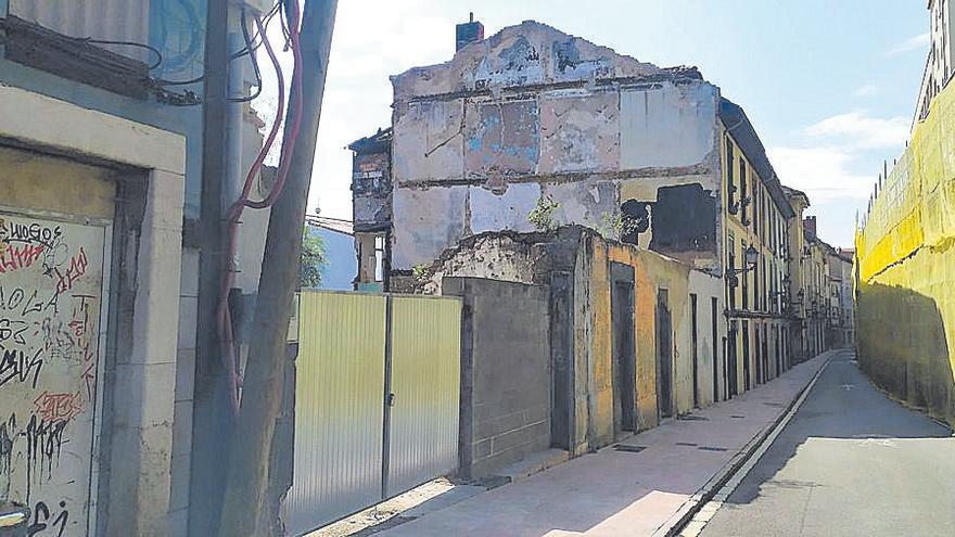 Cuatro calles que lastran el Antiguo