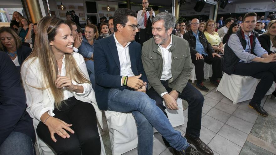 """María Fernández:  """"Ni derechas, ni izquierdas, se puede elegir Canarias"""""""