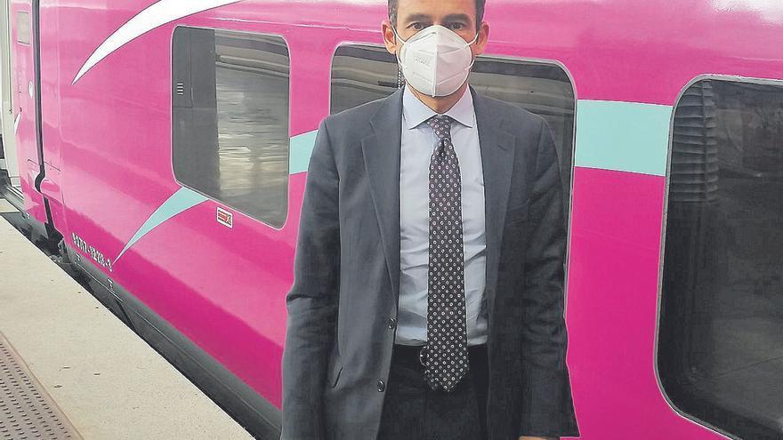 Francisco Prats: «Amb l'Avlo, volem treure gent de les carreteres i portar-la al tren»