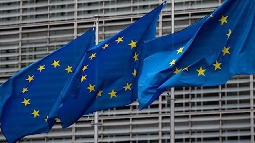Bruselas analiza el plan de Sánchez sobre los medios