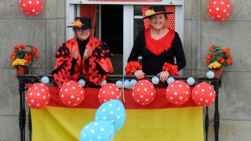 La Feria de Abril 'se celebra' en los balcones de Tui