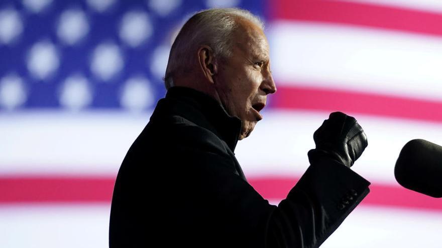 Biden, un moderat que arriba a la Casa Blanca després de dos fracassos i mig segle a Washington