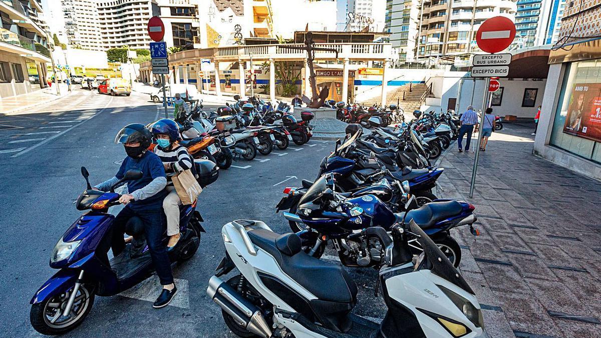 El aparcamiento de motos de la plaza de Doctor Fleming, uno de los más demandados.