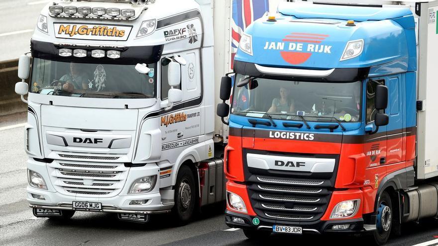 Johnson admite que solo 127 camioneros extranjeros han respondido a la oferta de visado de emergencia