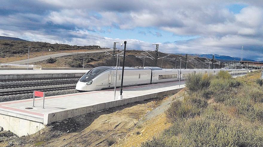 El tren Avril alcanza los 380 kilómetros por hora en las pruebas de Zamora-Sanabria