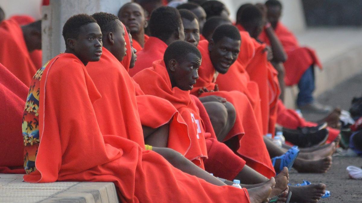 Algunos de los inmigrantes arribados a El Hierro.