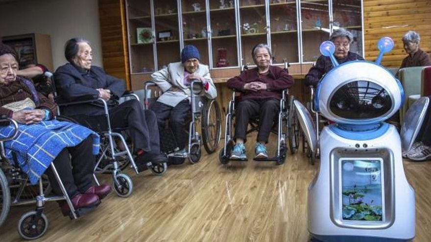 Galicia ensayará el uso de robots para cuidar de mayores en las residencias