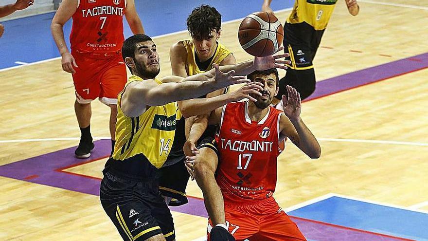 Partido de la Primera autonómica de baloncesto Canarias-Tacoronte.
