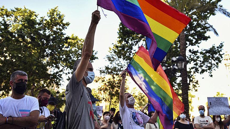 La Junta tendrá potestad para personarse contra delitos de odio