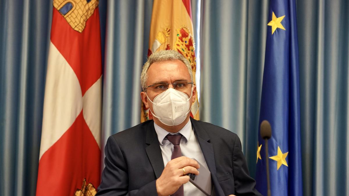 Javier Izquierdo, durante la rueda de prensa de ayer.