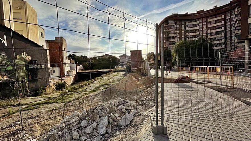 Blanes continua soterrant la línia elèctrica de Mas Enlaire