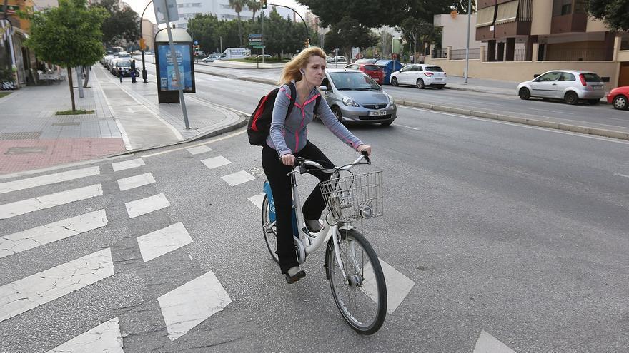 La DGT critica el auto del TSJA que suspende los artículos que impedían a las bicis circular por las aceras