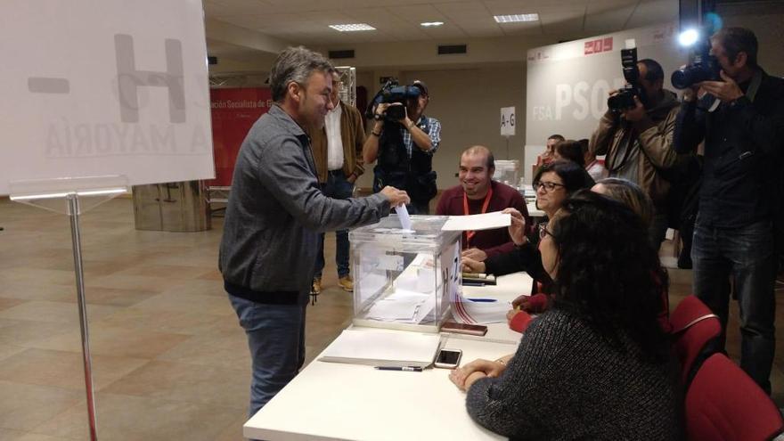 """Tuero: """"Es un día histórico, es la primera vez que hay urnas en la agrupación de Gijón para la Alcaldía"""""""