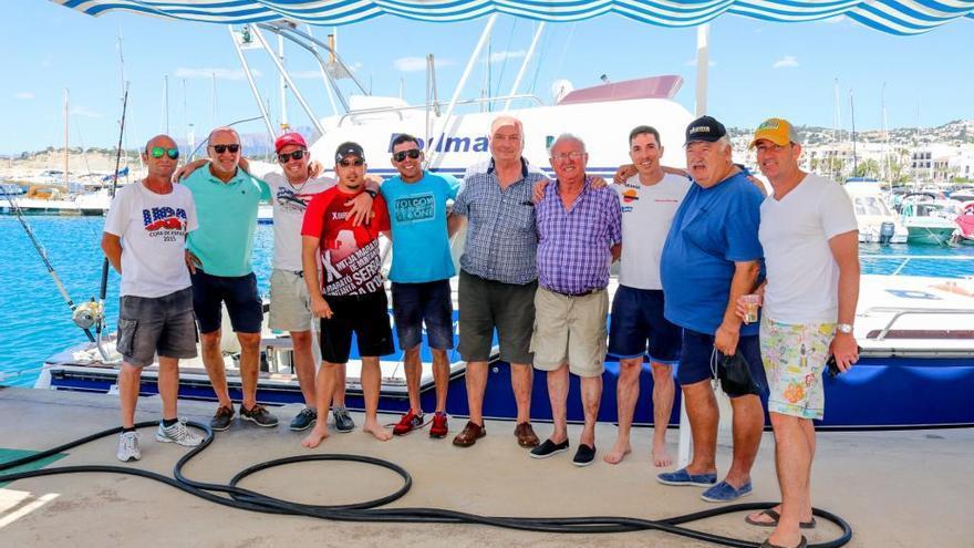 Un barco de Moraira se hunde con 5 tripulantes y los salva el pescador que naufragó hace tres semanas