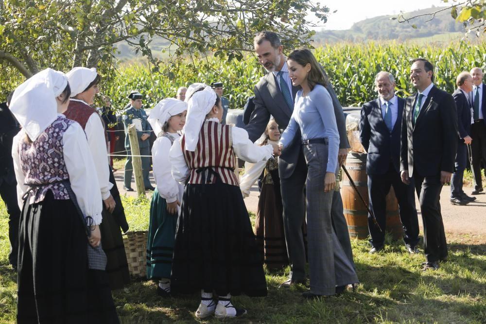 Los Reyes visitan Poreñu, Pueblo Ejemplar 2017
