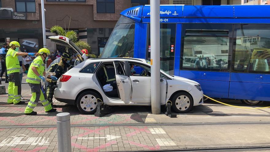 Nueva colisión entre un turismo y el tranvía