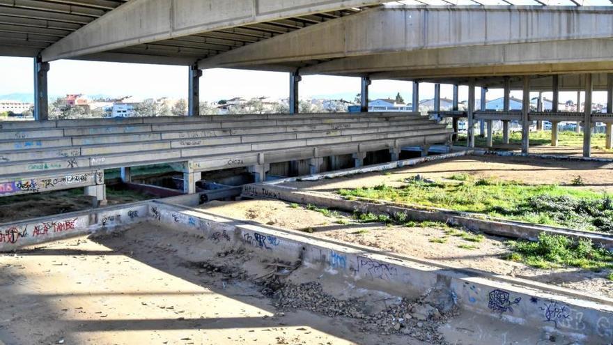 La piscina inacabada de Poliesports serà la nova Àgora coberta de Vilafant