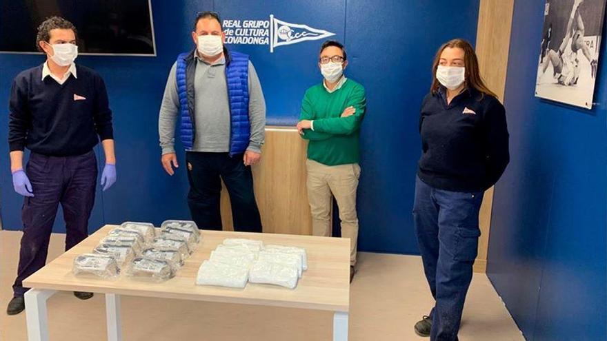El Grupo Covadonga recibe la donación de 300 mascarillas y 50 pares de gafas