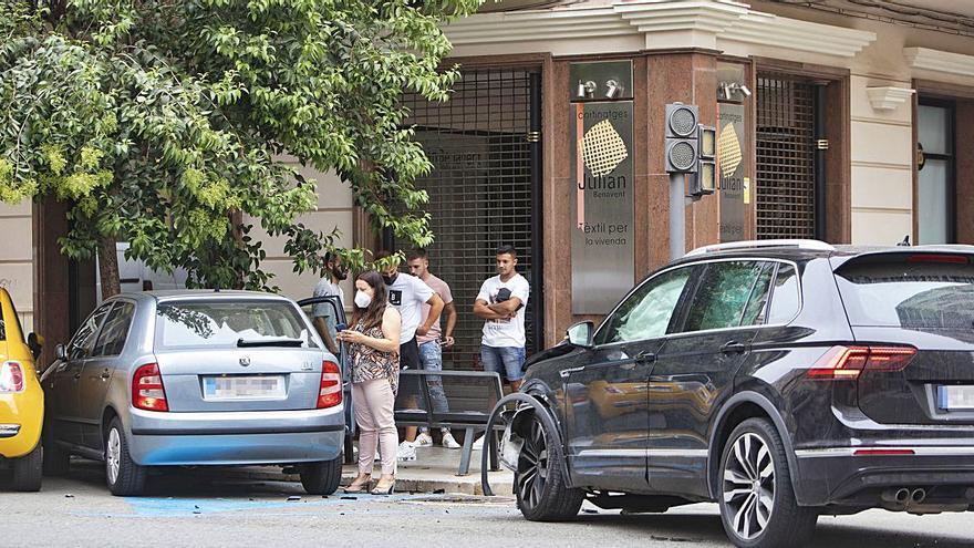 Tercer accidente en la esquina de Molina con Sarthou tras el fallo en los semáforos