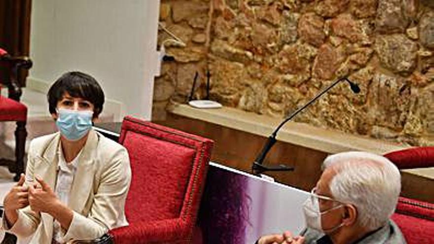 Pontón reivindica el uso del gallego entre la juventud en su visita a la Real Academia Galega
