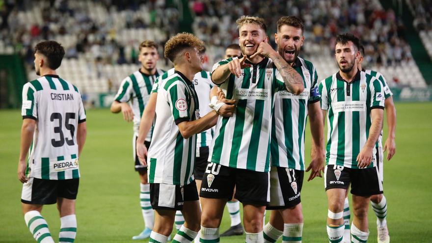 El Córdoba CF se sobrepone a todo y gana al Antequera CF para seguir líder