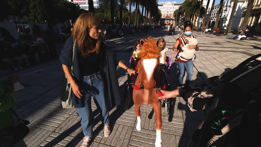 Los históricos caballitos vuelven a los jardines de Méndez Núñez