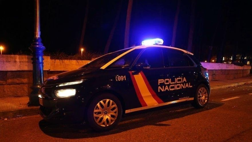 Un hombre lituano incendia el  coche de un compatriota en Gandia