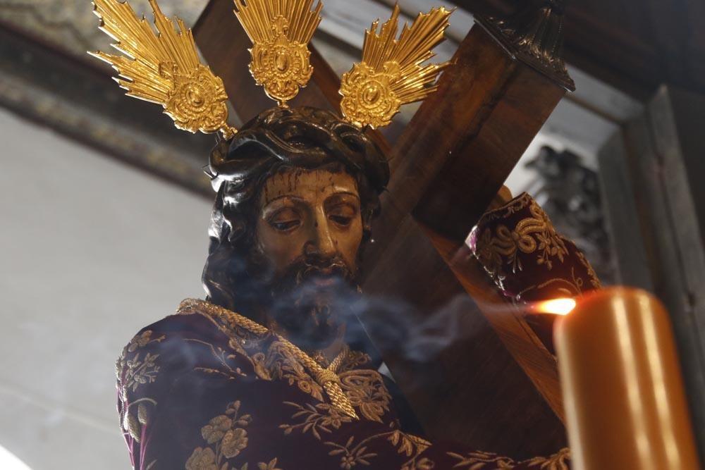 En imágenes, el Vía Crucis de las cofradías