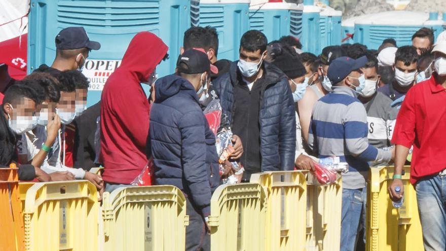 Trasladados de Canarias a Madrid 24 migrantes en situación de vulnerabilidad