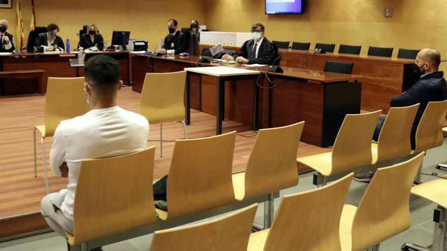 Els acusats es desvinculen de l'assalt mortal de Jordi Comas: un venia joies robades i l'altre, marihuana