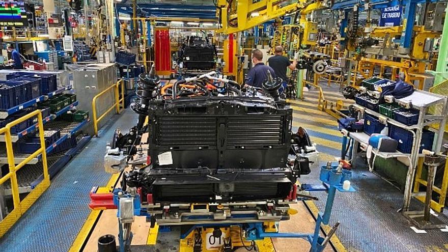 Ford Almussafes fabricará motores híbridos para toda Europa aunque mantiene los 630 despidos