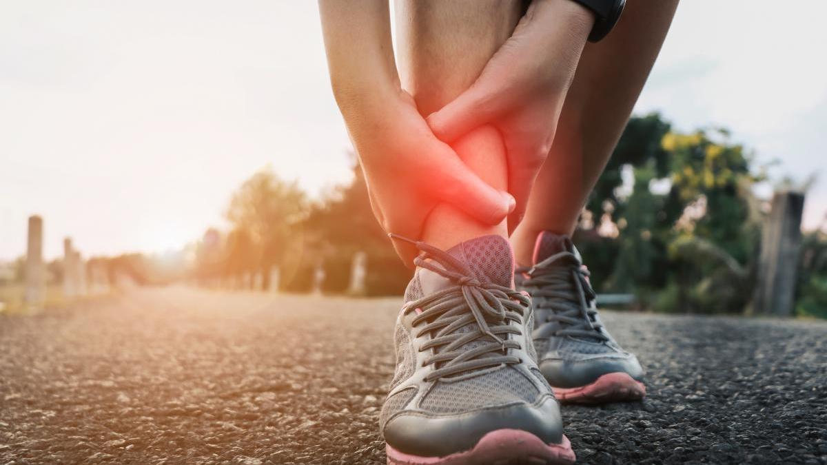 Muchas personas sufren de lesiones musculares y articulares debido a las actividades deportivas profesionales o de aficionados.