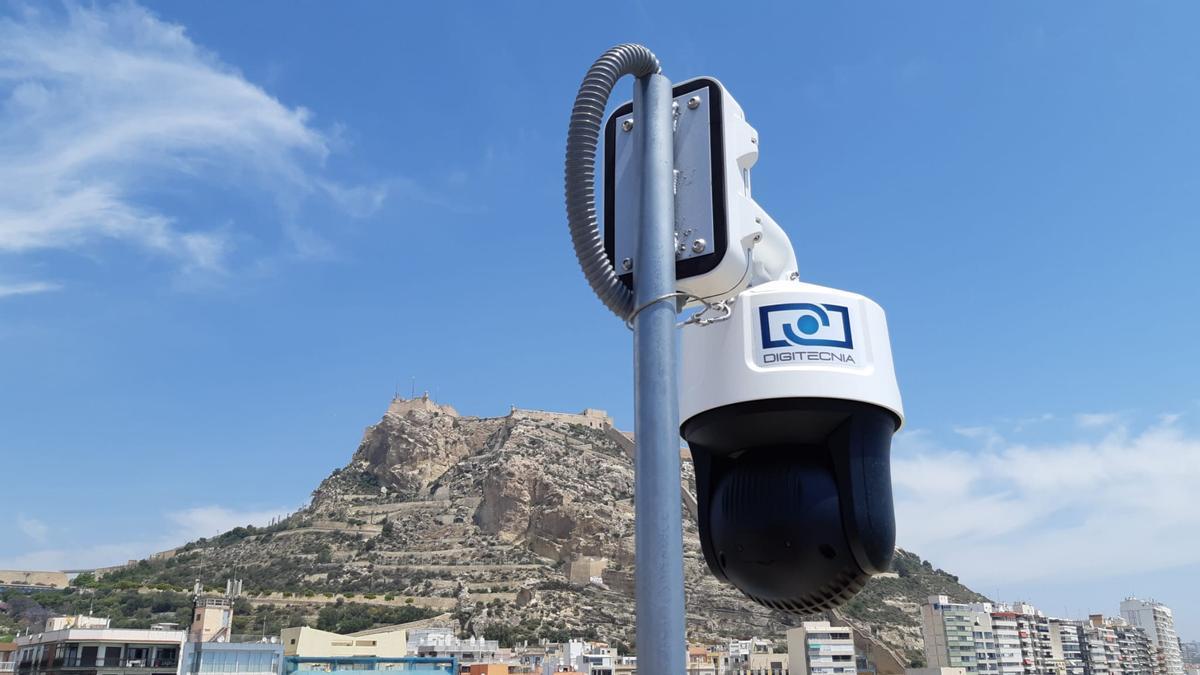 Este sistema de cámaras de visión artificial (ION BEACH) permite al usuario conocer la ocupación de la playa en tiempo real