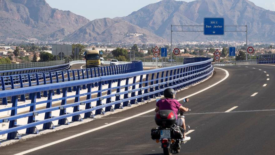 El Congreso aprueba la ley de tráfico, manteniendo el margen de 20 km/h para adelantar