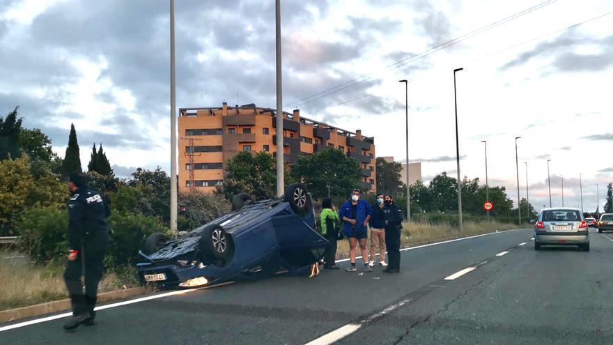 Nuevo accidente a la altura del Leroy Merlin en Cáceres