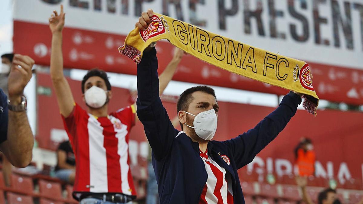 Aficionats del Girona durant el partit amb l'Almeria del passat dimecres.