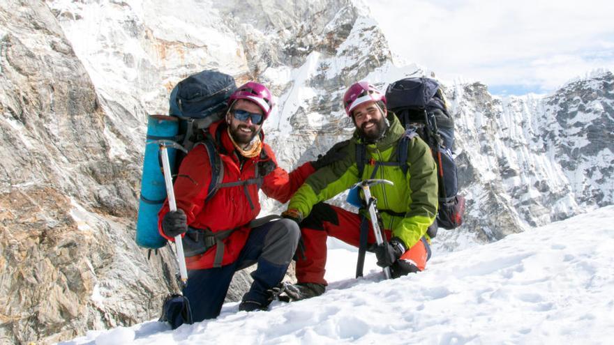 Un banyolí i un barceloní, els més joves del món en creuar l'Himàlaia a peu sense assistència