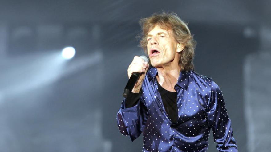 Els Rolling Stones despleguen la seva potència rockera sobre l'escenari de l'Estadi Olímpic