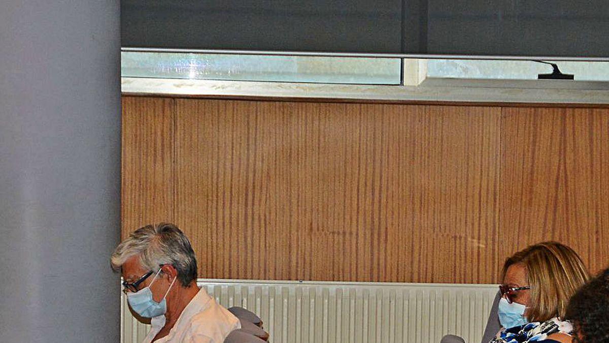 Mariano Abalo, en el pleno de Cangas.